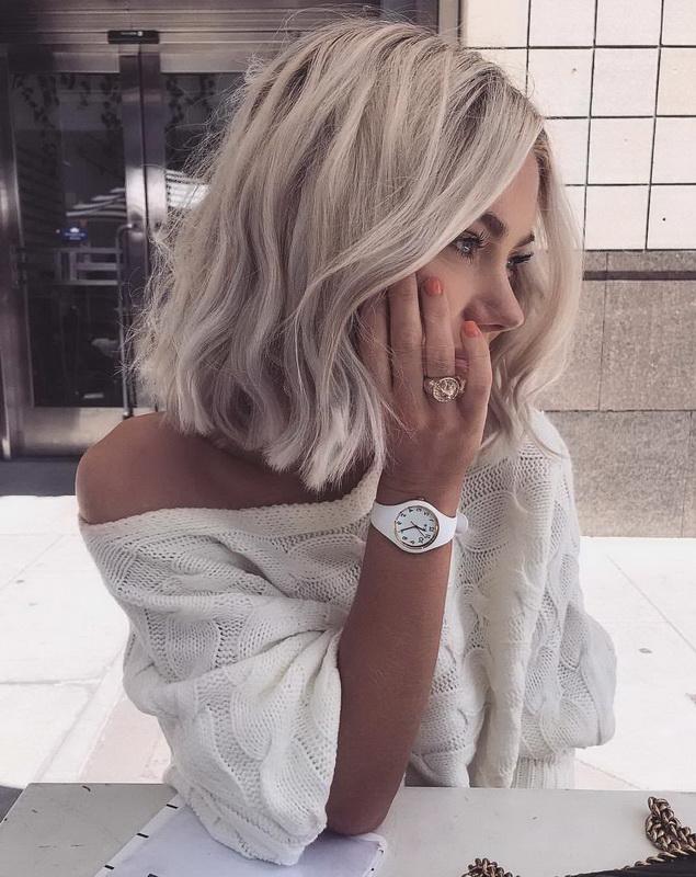 light dirty blonde hair