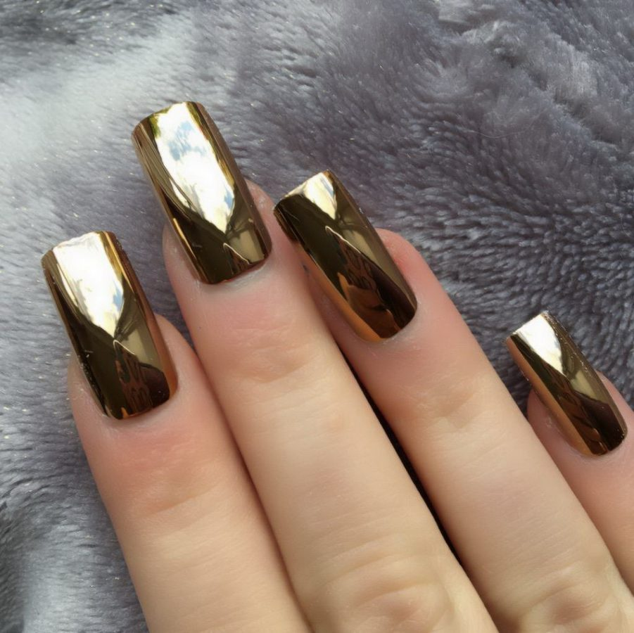 long holographic nails gold