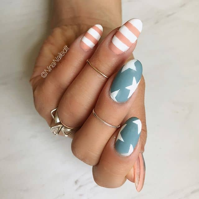 A Simple Stars and Stripes Nail Design