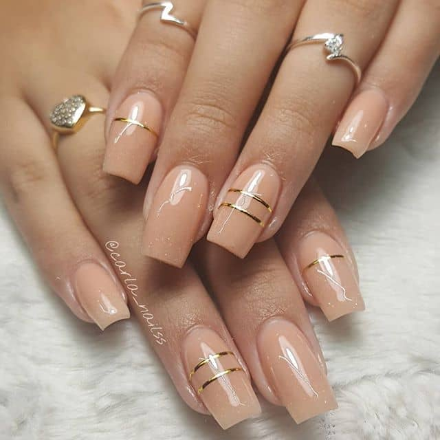 Natural Peach Nails with Gold Ring Accents