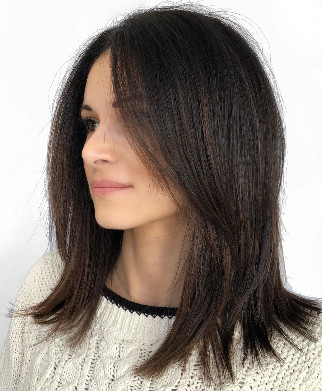 Pretty Shoulder-Length Hairstyle