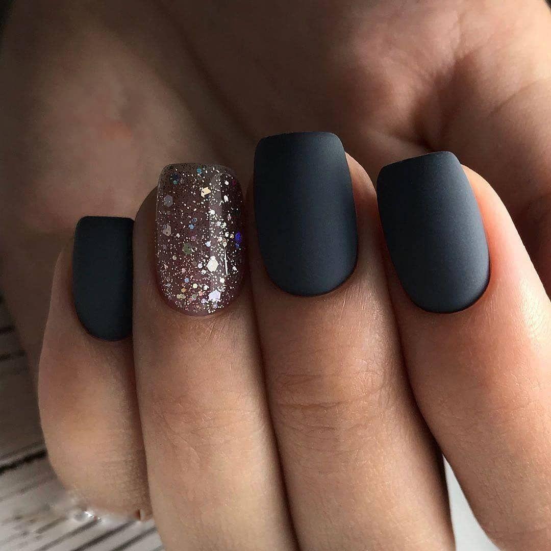 glitter matte nails