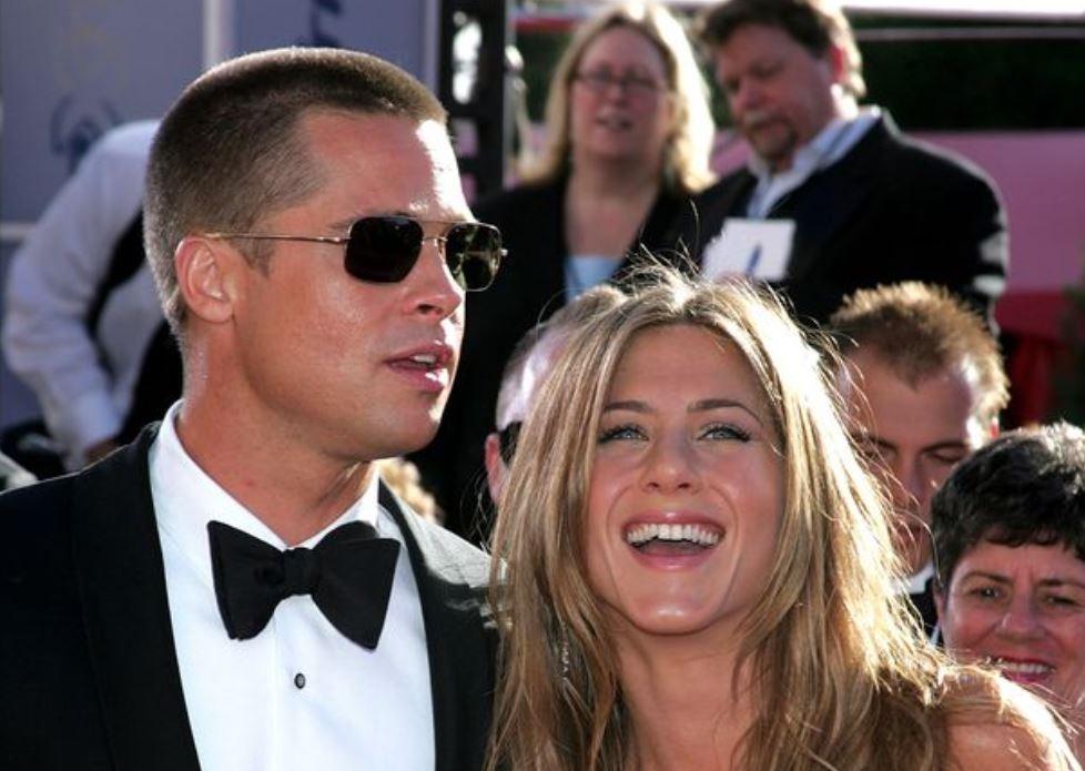 Brad Pitt and Jennifer Aniston are planning secret wedding