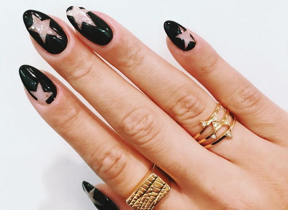 black star nails