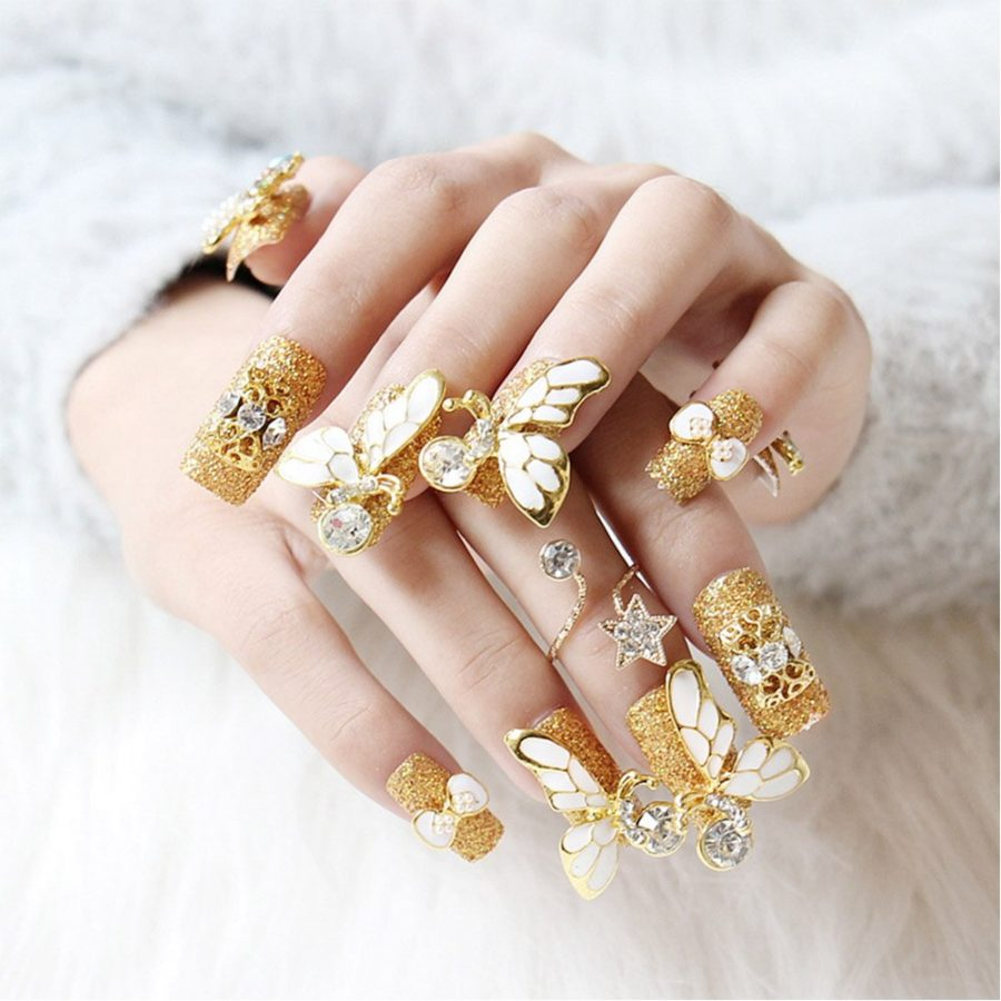 gold luxury nails