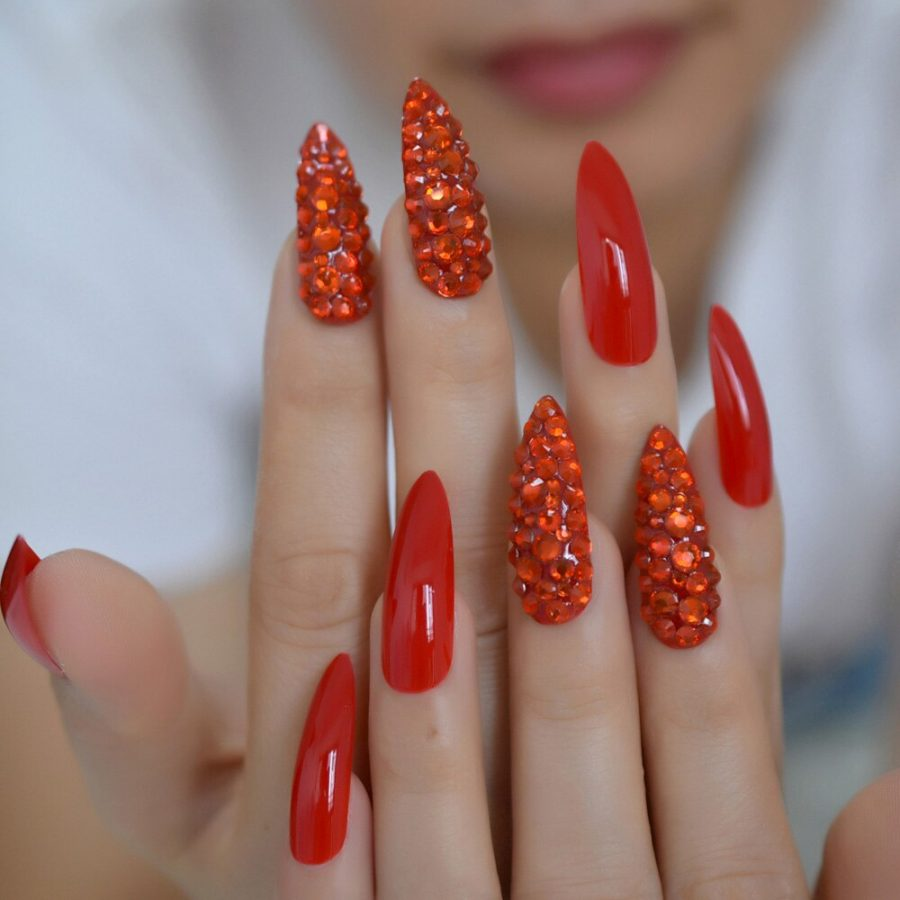 red luxury nails