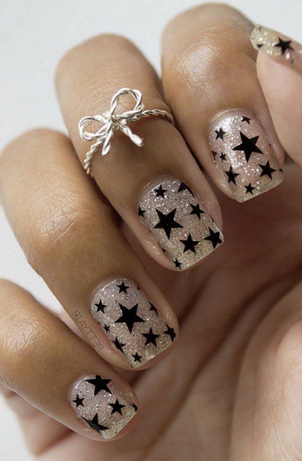 short black stars nails