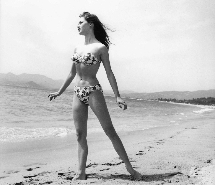 How Bikinis Have Actually Changed Throughout History (It's Excellent That 2010 Remains In the Past).