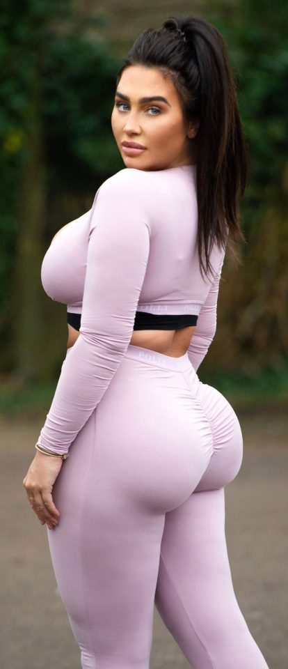 Lauren Goodger showed off her famous bum in a tight pink outfit last week