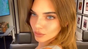 Kendall Jenner Has A New Look! Kendall Jenner Dyed Her Hair Honey Blonde