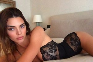 Kendall Jenner warms up Instagram with underwear image